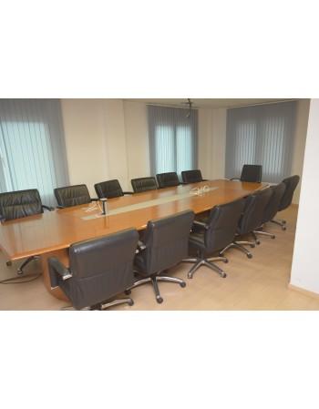 mesa de reuniones grande